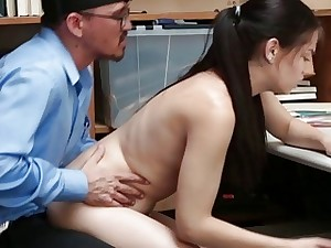 Bobbi Dylans pussy fucked doggystyle