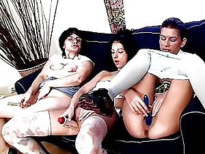 Teen damsels learn no matter what relative to fondle viscous pussies