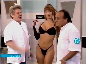 Model Alejandra Mora Rompeportones - Petardos - A 09